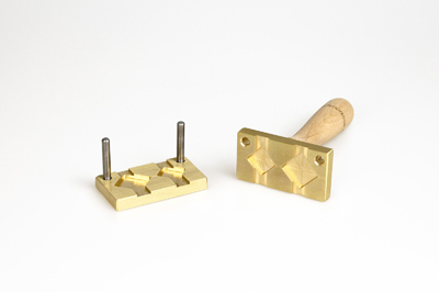 Bead press for the flat mandrels: two squares diagonally: 25x25mm and 20x20mm, for 10x2mm mandrel