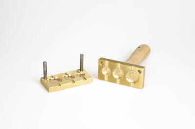 Bead press for the flat mandrels: three pastilles, rounded - 26, 22, 18mm, mandrel guides 5x2mm