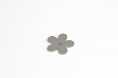 Cabochon disk, flower, with 2.5mm thread